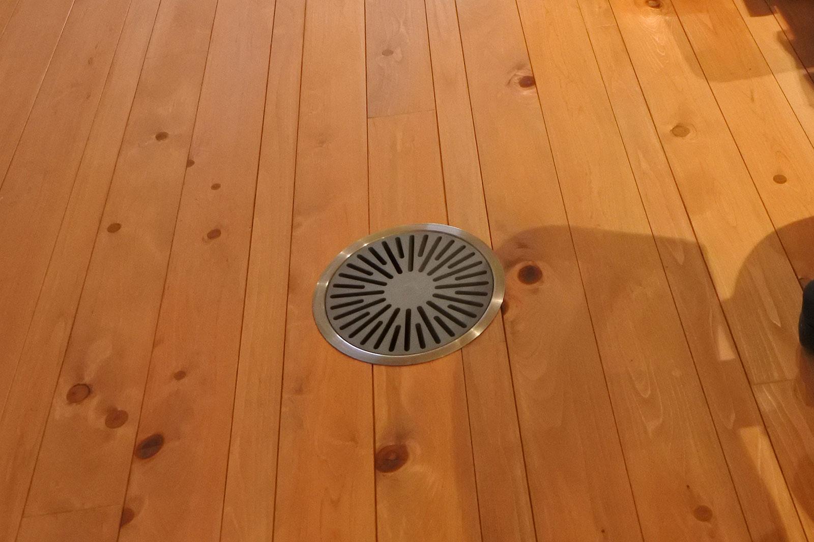 床面の空調吹出し口